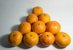 Isolado inteiro do fruto das laranjas Fotografia de Stock