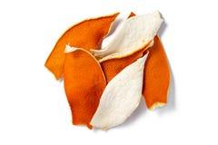 Isolado secado da casca da tangerina no fundo branco imagens de stock
