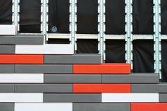 Isolamento artificiale della pietra decorativa dei fossades della costruzione fotografie stock libere da diritti