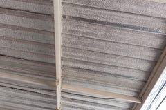Isolamento della stagnola d'argento sul tetto del soffitto Fotografia Stock Libera da Diritti