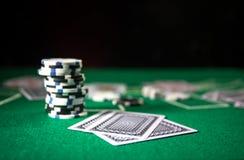 Isolamento sul variopinto, slot machine, attimo delle roulette, dado, chip del casin? - immagine dell'elemento del casin? immagine stock