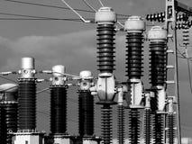 Isolanti elettrici della sottostazione Immagine Stock