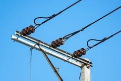 Isolants de ligne électrique photographie stock libre de droits