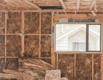 Isolatie in de bouw van de garage Stock Foto's