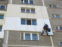 Isolation thermique de la maison de panneau de mur extérieur avec la corde photos stock