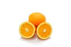 Isolato dell'arancia del mandarino dell'agrume sui precedenti bianchi Fotografia Stock