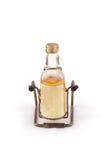Isolato della bottiglia di vetro con alcool su bianco Fotografia Stock