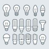 Isolato su bianco Insieme dell'icona della lampadina Immagine Stock