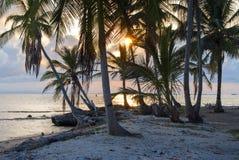 Isole di paradiso in Guna Yala, Kuna Yala, San Blas, Panama Tramonto ALBA fotografia stock libera da diritti