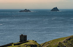 Isole di Skellig vedute dall'isola di Bray Head Valentia, Irlanda fotografie stock libere da diritti