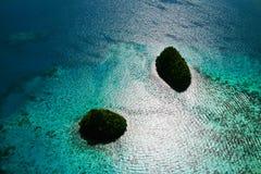 Isole e mare brillante Fotografia Stock Libera da Diritti