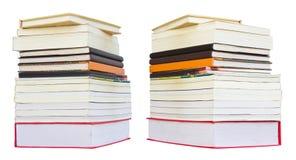 Isole la pile de les deux livres Photo stock