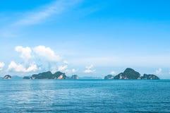 Isole tropicali nella baia di Phang Nga Fotografia Stock Libera da Diritti
