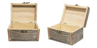 Isolement du bois de coffre de caisse de vieille boîte ouverte de vintage sur le blanc, cadeau P Photographie stock libre de droits