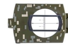 Isolement vert de boussole magnétique d'armée sur le blanc Photographie stock libre de droits