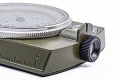 Isolement vert de boussole magnétique d'armée sur le blanc Image libre de droits