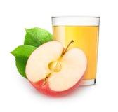 Isolerad äppelmust och halva av frukt Royaltyfri Fotografi