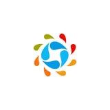 Isolerad abstrakt färgrik logo för vattendroppcirkel Vätskecirkulationslogotyp Lurar symbolen för konstskolan, rund form Arkivfoton