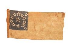 Isolerad amerikansk kolonial flagga. arkivfoton