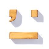 Isolerad brun träbokstav Royaltyfria Foton