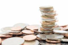 isolerad buntwhite för bakgrund mynt Royaltyfri Bild