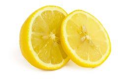 isolerad citronskiva arkivbilder