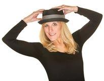 Isolerad dansare Holding Hat Royaltyfria Bilder