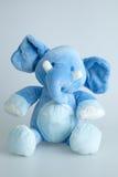 Välfylld elefant för blått Arkivbild