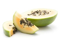 Isolerad grön Papaya Royaltyfri Bild