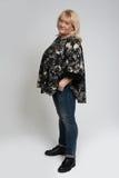 Isolerad härlig stor kvinna Royaltyfri Foto