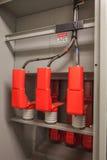 Isolerad hög avslutning för för VoltageThree fasbuss och kabel Royaltyfri Foto