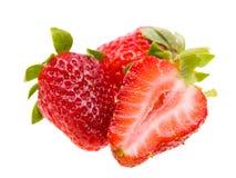 isolerad jordgubbewhite Arkivfoto