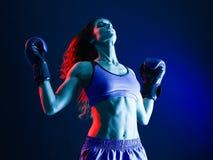 Isolerad kvinnaboxareboxning royaltyfria bilder