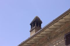 Isolerad lampglas på taket - italiensk arkitektur Royaltyfria Foton