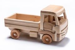 Isolerad lastbil & x28; lorry& x29; leksak på vit bakgrund arkivbilder