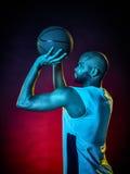 Isolerad man för basketspelare Royaltyfri Bild