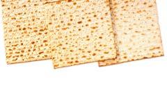 Isolerad Matzoh (judiskt påskhögtidbröd) Arkivfoto