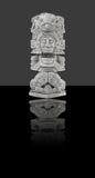 isolerad mexikansk staty Arkivfoto