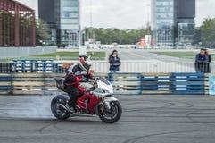 isolerad motorcykelsportwhite Fotografering för Bildbyråer