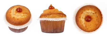 Isolerad muffin på vit Arkivbilder