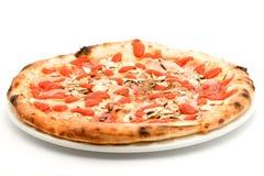 isolerad pizza Royaltyfri Bild