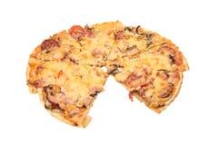 isolerad pizza Royaltyfria Foton