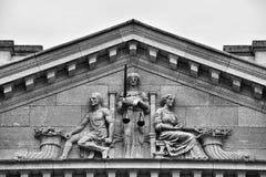 isolerad rättvisa över vita scales Royaltyfria Bilder