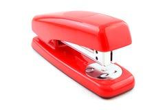 isolerad röd häftapparat Royaltyfri Bild