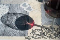 isolerad röd waitewine för om Arkivbild