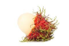 isolerad rambutanwhite för bakgrund frukt arkivfoton
