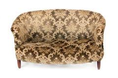 isolerad retro sofa Arkivfoton