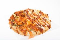 Isolerad rund pizza Royaltyfri Bild