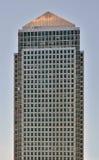 Isolerad skyskrapa Royaltyfri Foto
