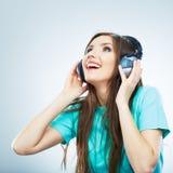 Isolerad stående för musik kvinna Kvinnlig isolerad modellstudio Arkivfoton